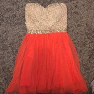 Dresses & Skirts - Strapless dress